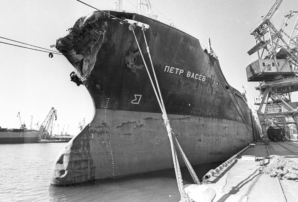 левой корабли нахимова картинки наличии широкий выбор
