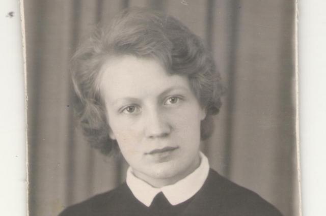 18-летняя Фаина Александрова перед отъездом из Москвы