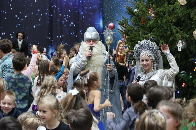 Новогодние и рождественские балы на Пречистенке.