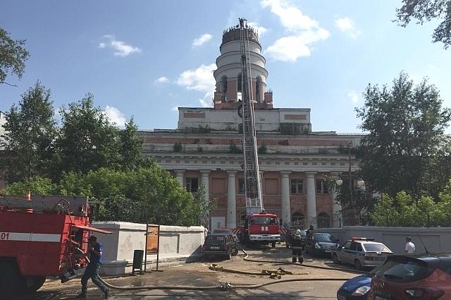 После пожара здание выглядит