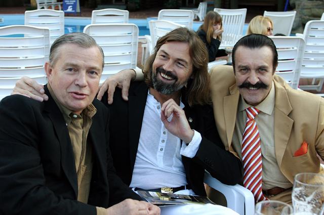 Певец Вилли Токарев , художник Никас Сафронов и актер Лев Прыгунов.