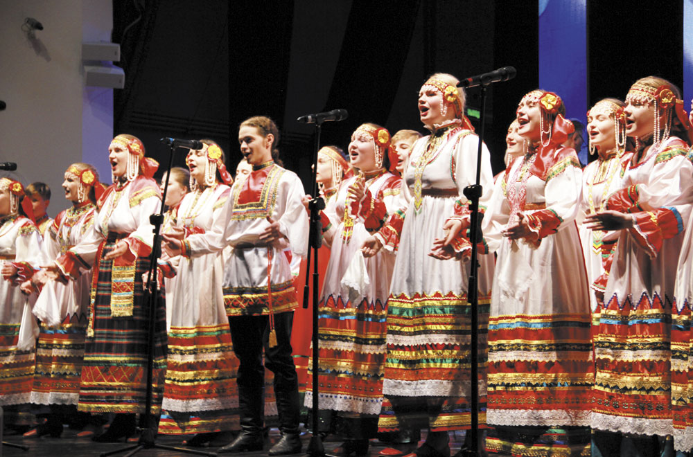 Во славу Родины спели хором.