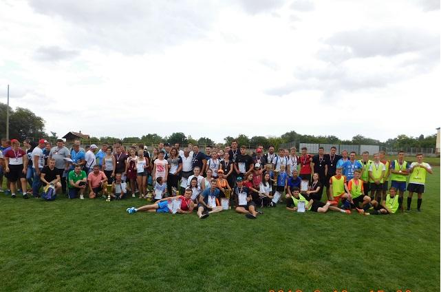 Спортом в округе занимаются жители всех возрастов.