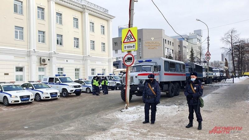 Настоящий парад полицейской техники