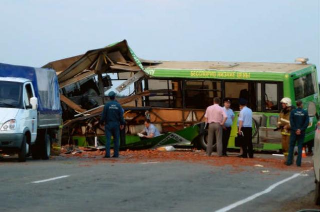 В результате ДТП 16 человек погибли, в том числе водители транспортных средств.