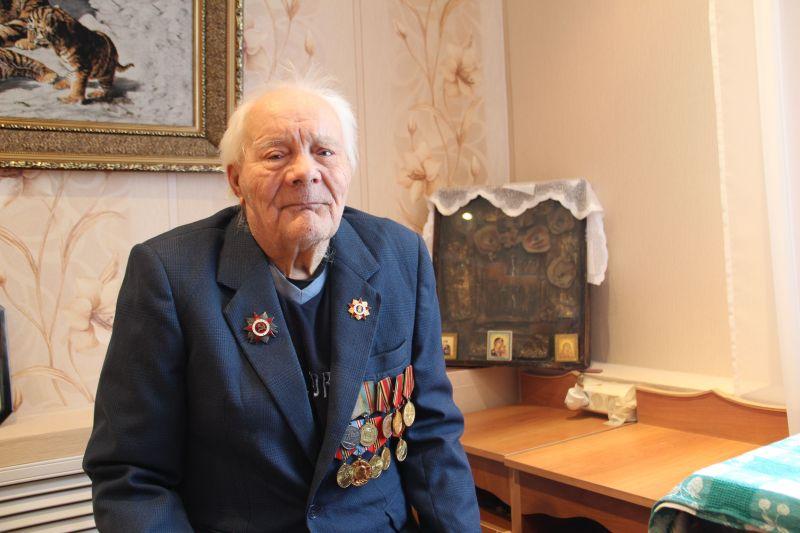94-летний ветеран Иван Молгачёв.