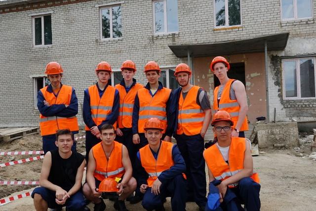 Ребята приступили к работе на космодроме 26 июня, в Амурской области они пробудут до 26 августа.