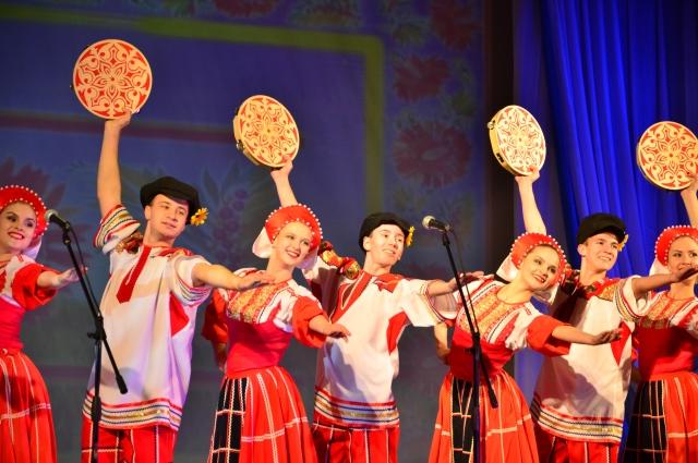На церемонии открытия конкурса ребята продемонстрировали свои таланты.
