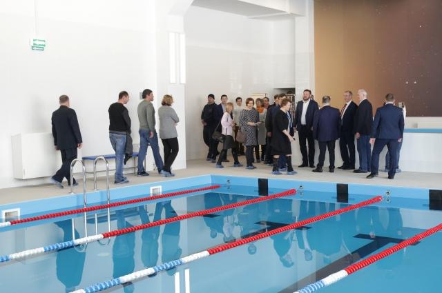 За год в Иркутске построили три новых школы. И в каждой есть бассейн.