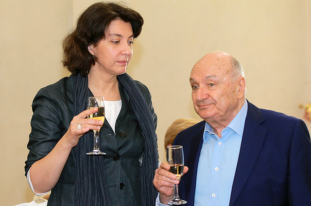 Сатирик Михаил Жванецкий и его супруга Наталья Сурова.