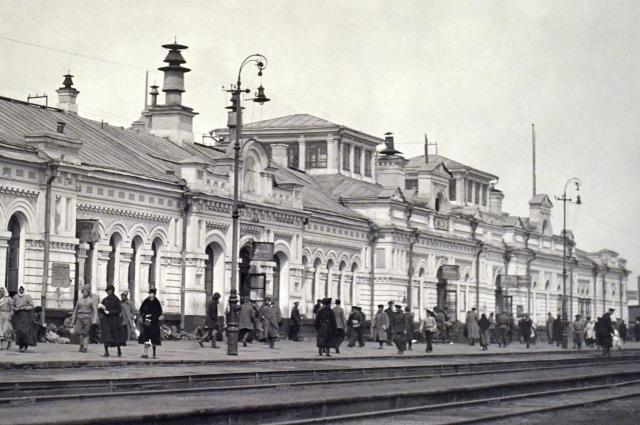 Железнодорожный вокзал Омска в начале ХХ века.