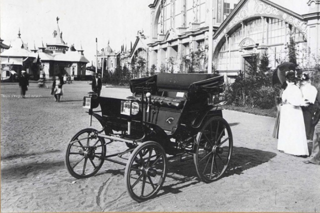 Первый русский автомобиль.
