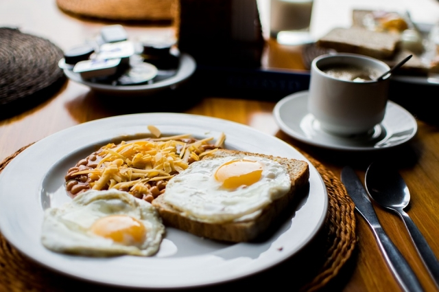 Не можете отказаться от утренней яичницы? Ешьте на здоровье!