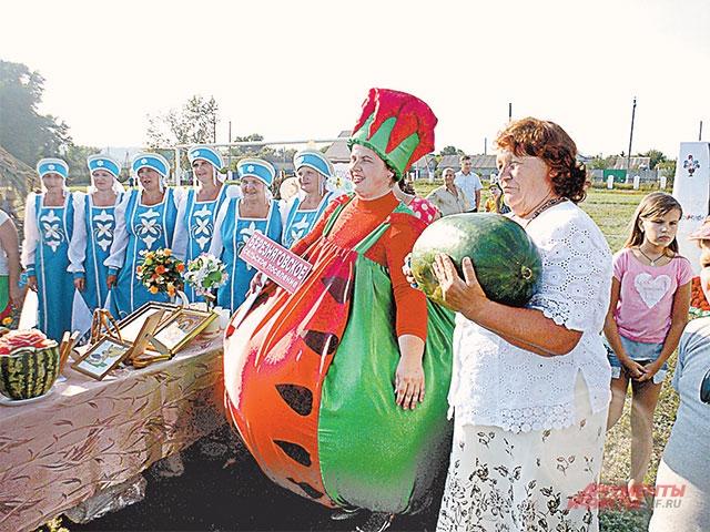 Фестивали арбузов в августе проводят во многих городах.