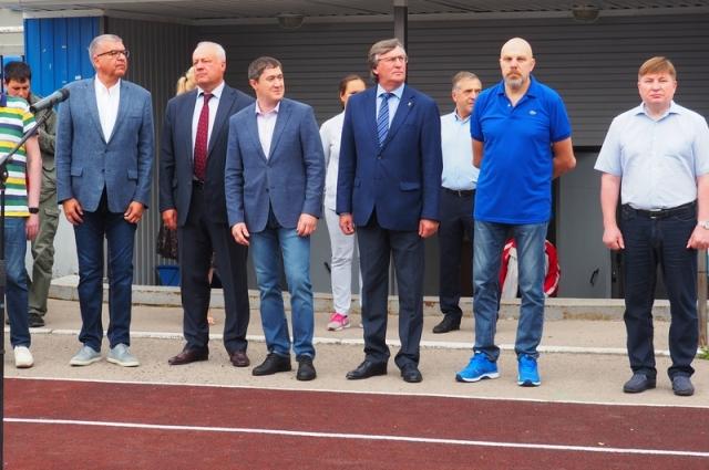 Поприветствовать участников соревнований пришёл Дмитрий Махонин.