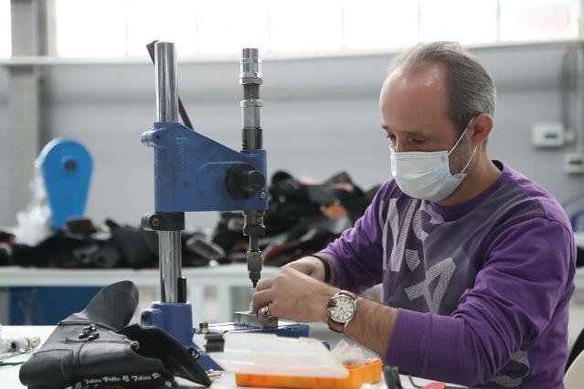 Бывший завод электродвигателей теперь производит обувь.