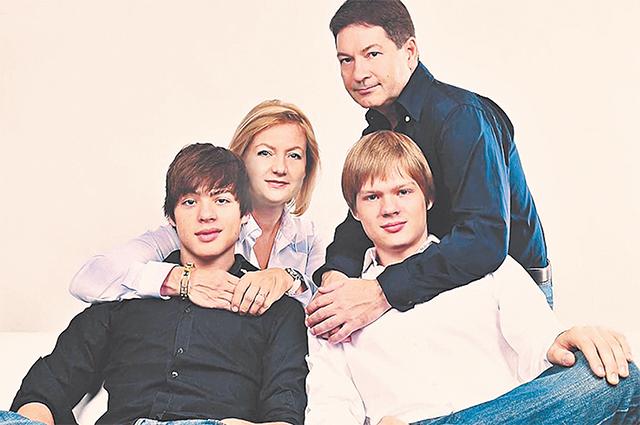 С сыновьями Алексом и Тимом.