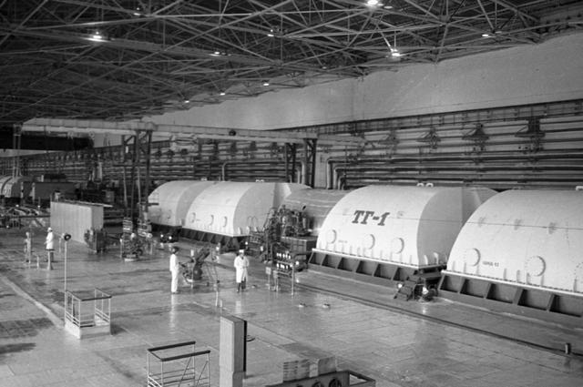 Машинный зал Чернобыльской атомной электростанции.