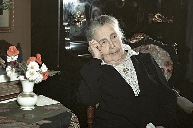 Александра Яблочкина.