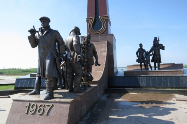 Скульптурно-архитектурный комплекс «Первопроходцы», Нефтеюганск. Автор: Володя Саргсян.