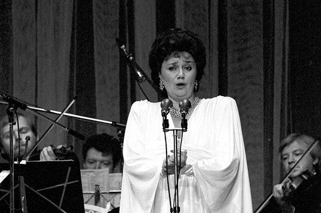 Тамара Синявская, 1987 г.